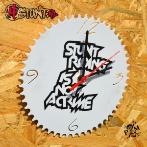 Wall clock stuntriding is not a crime